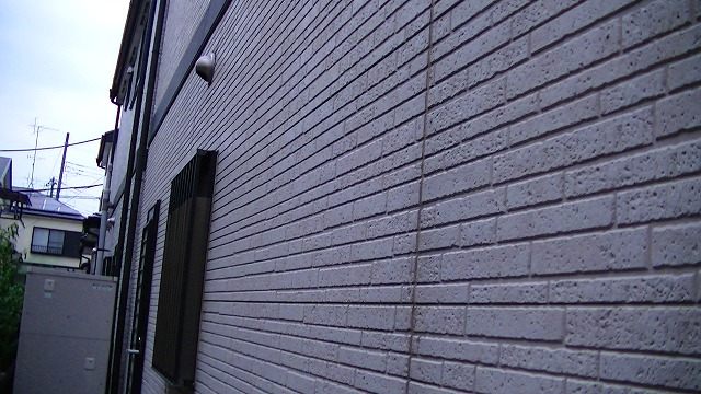 外壁塗装行う前の撥水力の無くなった外壁