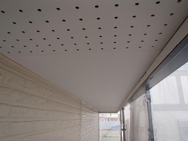 軒天部分の塗装完成