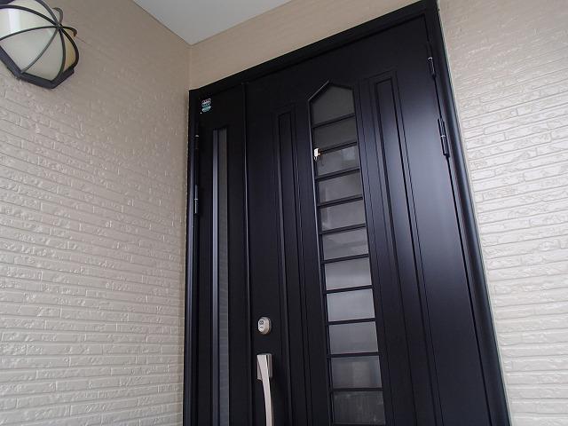 外壁塗装完了の玄関