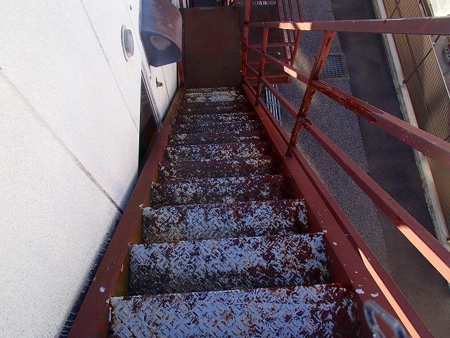 埼玉県 階段 塗り替え