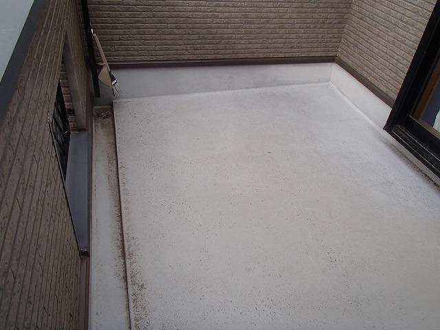 ベランダ床面塗装前