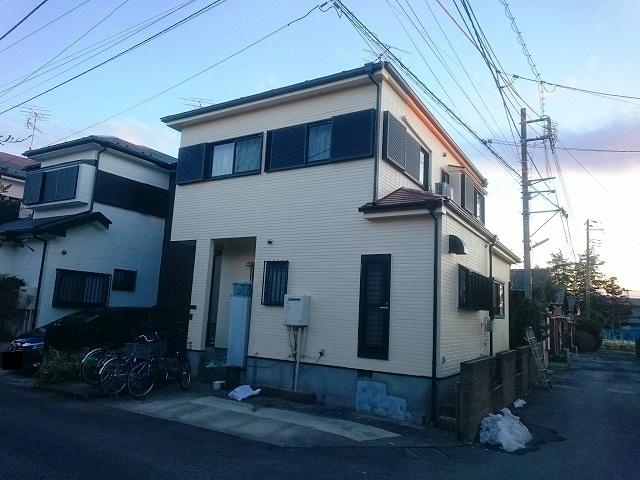外壁塗装前の一軒家の様子