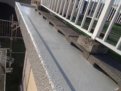 さいたま市見沼区で【陸屋根の防水塗装】と外壁塗装を行いました。