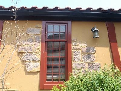 ドアの木部部分の塗装