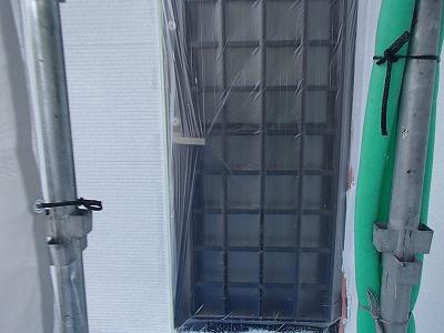 外壁塗装の下塗り玄関周り