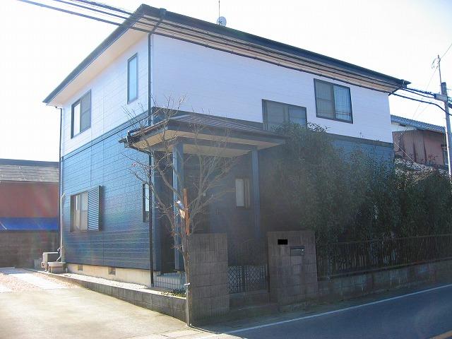 外壁塗装の完成した一軒家